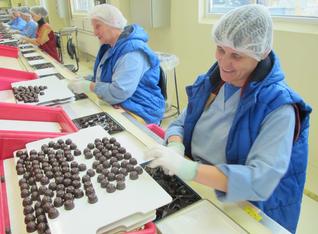 Как делают шоколад в России