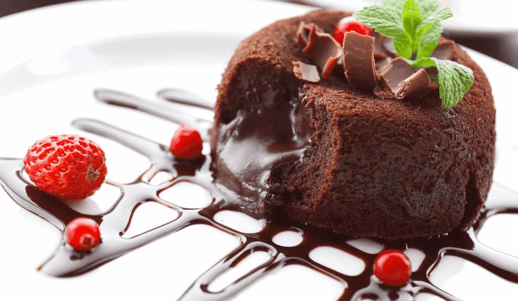 шоколадный фондан с жидким центром