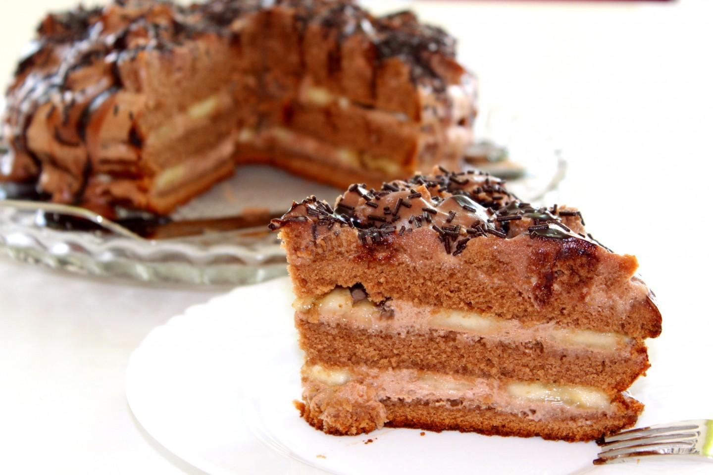 шоколадно-банановый торт со сметаной