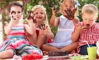чем вывести пятно от шоколада