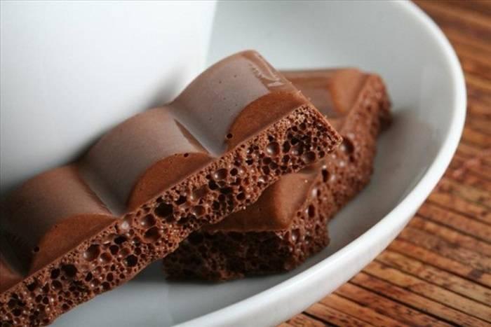 растопить пористый шоколад