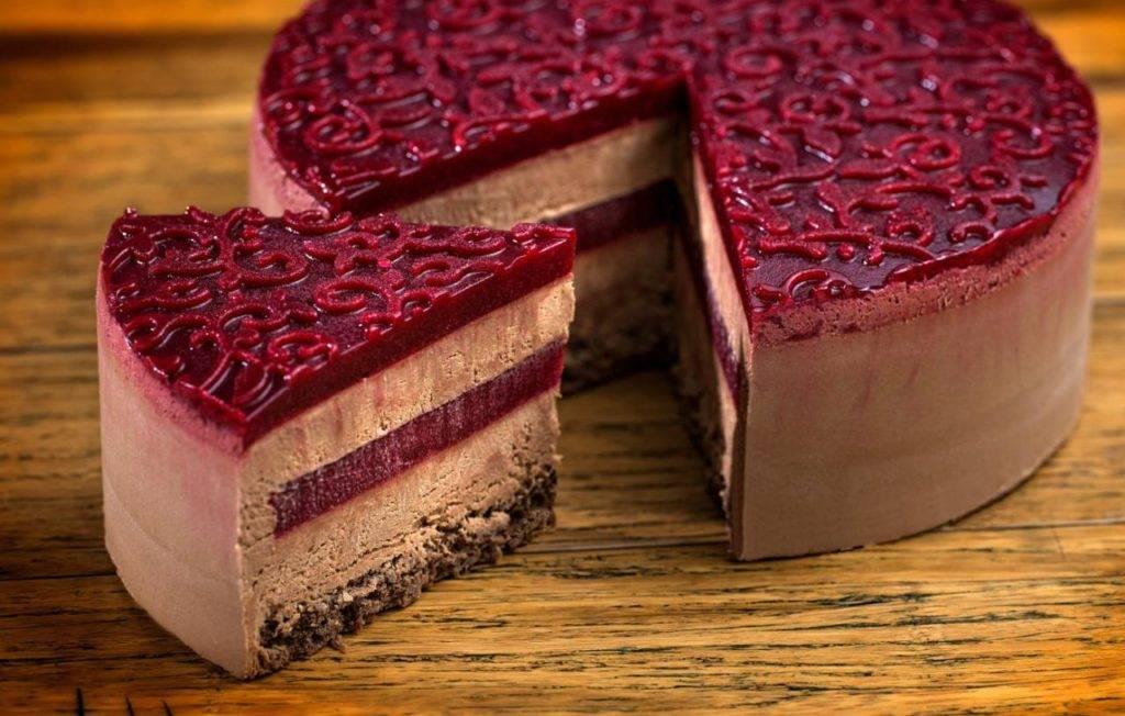 муссовый торт с вишней